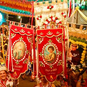 Bandeiras dos santos